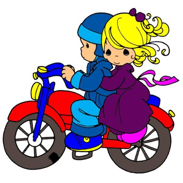 Disegno di bambini in moto a colori per