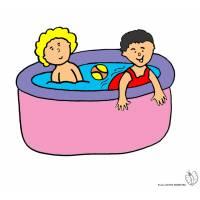 Disegno di Bambini in Piscina a colori