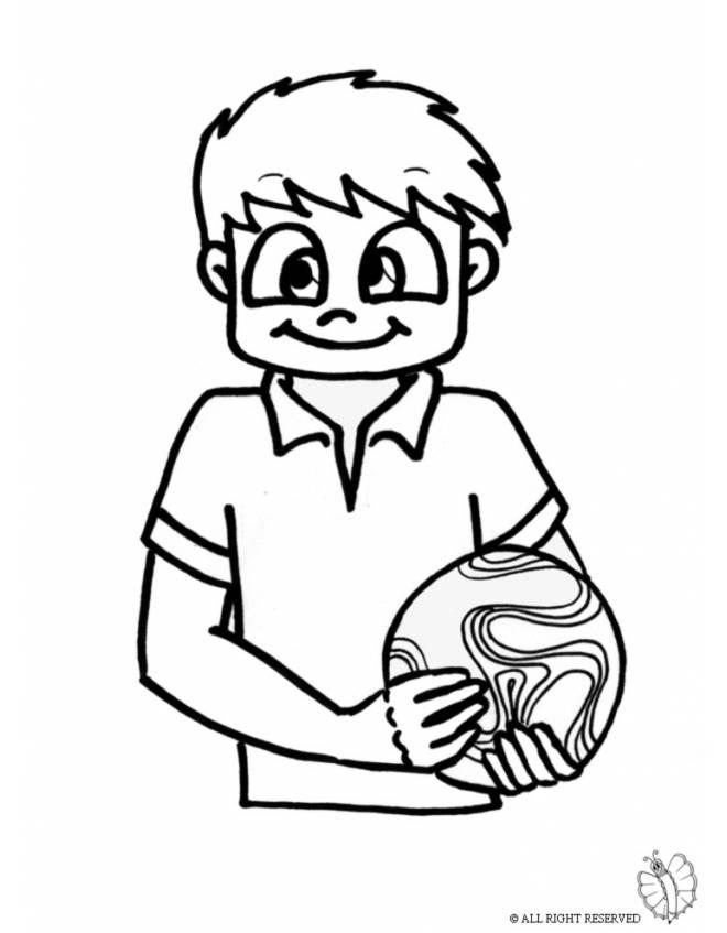 Disegno di Bambino con Pallone da colorare per bambini ...