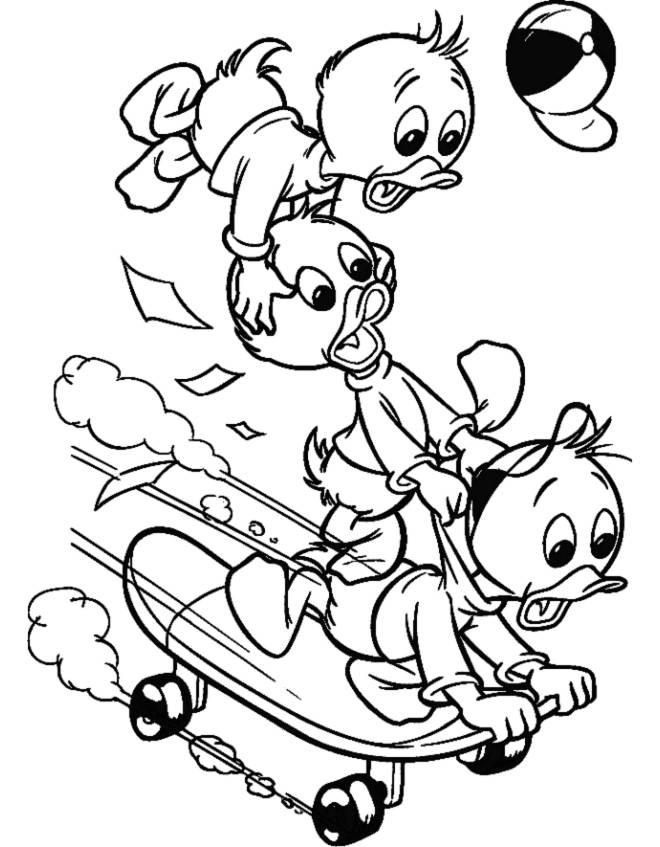 Disegno di qui quo qua sullo skateboard da colorare per for Disegni da colorare walt disney