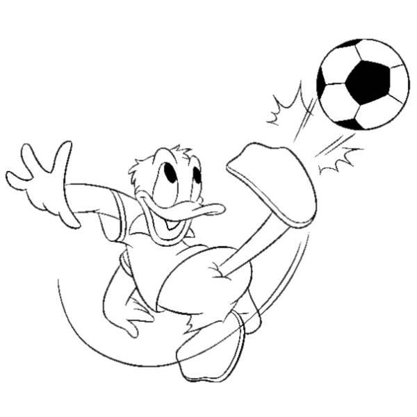 Disegno di paperino e il calcio da colorare per bambini for Disegni sport da colorare
